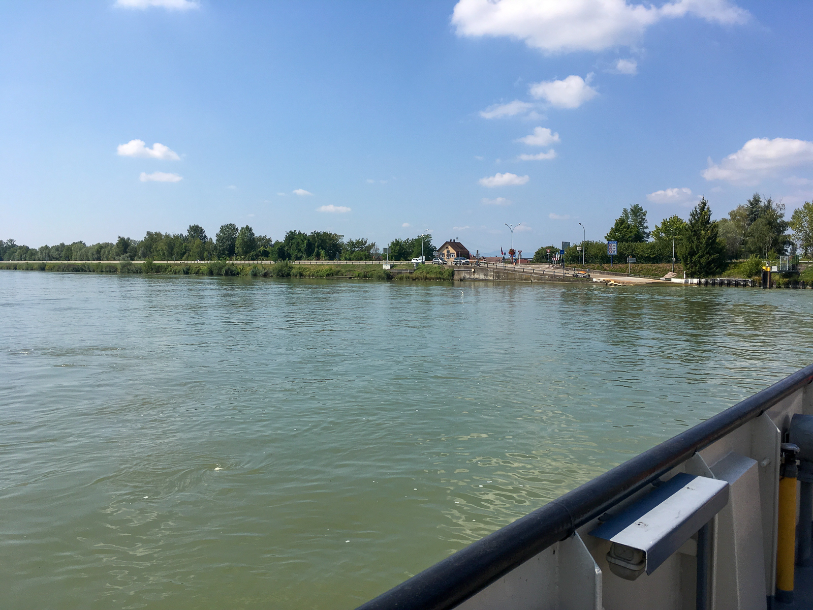 Über den Rhein bei Rhinau